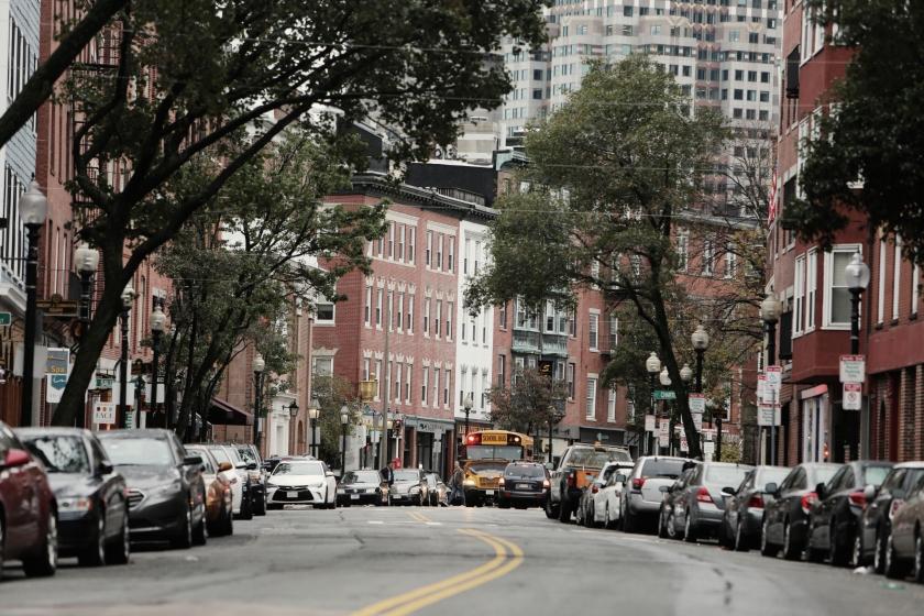 2014-11-Life-of-Pix-free-stock-photos-boston-city-street-bus-leeroy